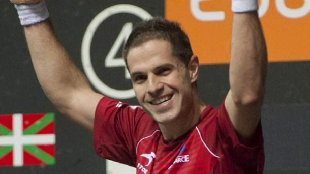 Aimar y untoria ganan el torneo de pelota de zarautz for Muebles basoko