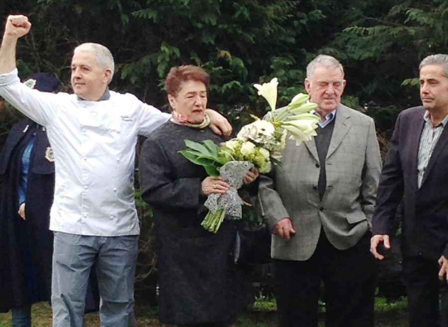 Merecido homenaje a xabier zapirain del restaurante for Muebles basoko